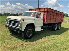 1973 Ford F700 T/A Grain Truck