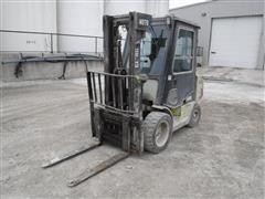 Clark GCP30 Pneumatic Tired Forklift
