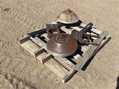 Metal Gauge Wheels W/Hawkins Brackets
