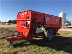 2015 KUHN Knight RA142 Helix Reel Mixer Feed Wagon
