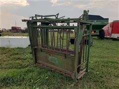 Powder River Squeeze Chute/Head Gate