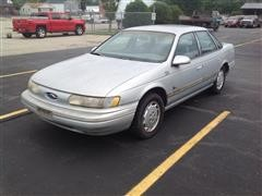 1995 Ford Taurus GL Car
