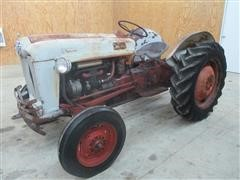 1954 Ford 640 2WD Tractor