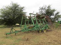 John Deere 980 Bi-Fold Field Cultivator w/Harrow