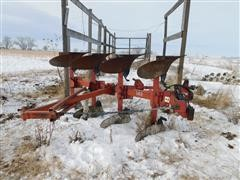 Case IH 140 4 Bottom Plow And Plow Packer