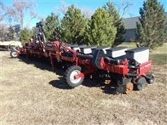 2012 Case IH Early Riser 1230 Stacker Fold Planter