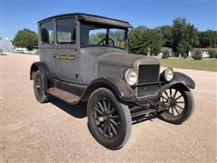 1926 Ford Model T 2 Door Sedan Classic Car