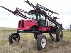 2000 Apache 780 Self-Propelled Sprayer