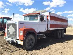 1982 International F4370 T/A Dump Truck W/Beet Box