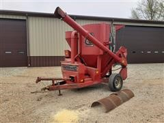 Farmhand 817 F826BH Grinder/Mixer