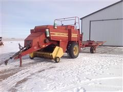 1991 New Holland 2000 3x4 Large Square Baler W/New Holland 2010 Accumulator