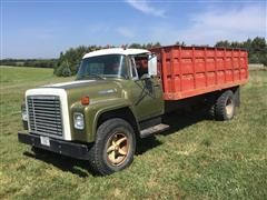 1973 International 1600 S/A Grain Truck
