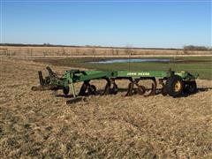 John Deere 2600 5-Bottom Adjustable Semi-Mount Plow
