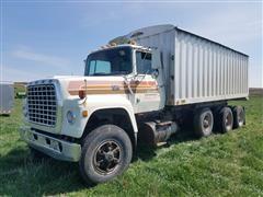 1979 Ford LT9000 Tri/A Grain Truck