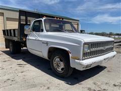 1981 Chevrolet 2500 Custom Deluxe Flatbed Dump Truck