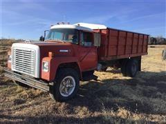 1975 International 1600 Grain Truck