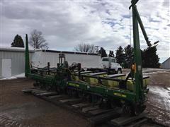 2011 John Deere 1700 8R36 Planter