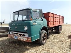 1969 Ford C700 Truck W/Knapheide Grain Box