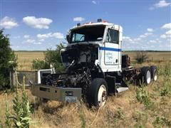 1997 Kenworth T-800 T/A Truck Tractor For Parts