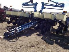 Kinze 2200 12R30 Planter