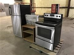 Whirlpool Kitchen Range & Fridge