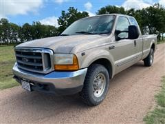 1999 Ford F250 XLT Super Duty Extended Cab 2WD Pickup