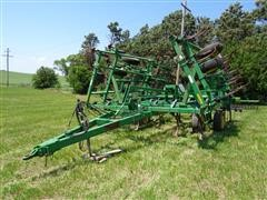 John Deere 980 Field Cultivator W/3 Bar Harrow
