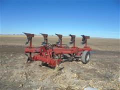 Case IH 165 On Land 5 Bottom Plow