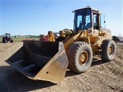 Case 621 Wheel Loader W/5 Yard Tip Out Bucket