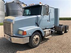 1993 White/GMC WIA64T T/A Truck Tractor