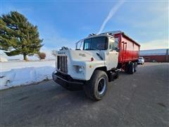 1988 Mack DM690S T/A Grain Truck