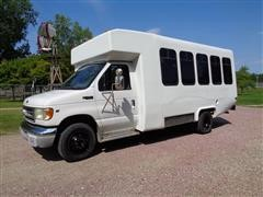 2002 Ford E450 Super Duty 15-Passenger Stand Up Van W/Wheel Chair Lift