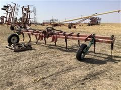 8 Row NH3 Bar w/ Shanks For Sweeps