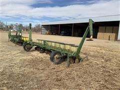 """John Deere 7100 10R20"""" Planter"""
