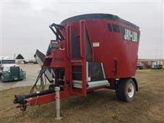 2018 Jay-Lor 5575 Vertical Mixer Feeder Wagon