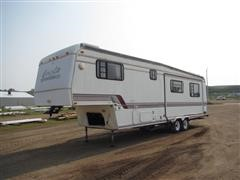 1995 Carriage 8x32 5th Wheel Travel Trailer