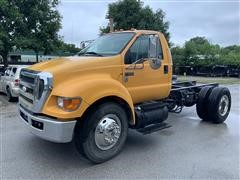 2009 Ford F650 XLT Super Duty Cab & Chassis