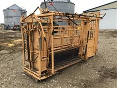 For-Most Model 450 Livestock Squeeze Chute