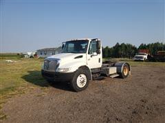 2005 International 4300 S/A Truck Tractor