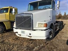 1989 Volvo Conventional T/A Truck Tractor