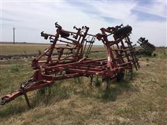 J I Case 4800 Vibrashank Field Cultivator