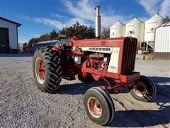1964 International 806 2WD Tractor