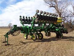 """2013 John Deere 1790 CCS 24R20"""" Planter"""