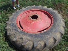 International 1086 18.4-38 Single Tire & Rim