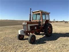 1975 International 666 2WD Tractor