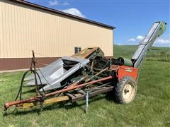 New Idea 325/326 2R30 Corn Picker