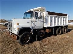 1981 Ford LT8000 T/A Dump Truck