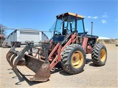 Versatile 276 Bi-directional 4WD Tractor w/ Loader