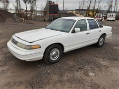 1996 Ford Crown Victoria Car