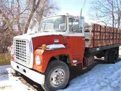 1974 Ford LN800 Grain Truck
